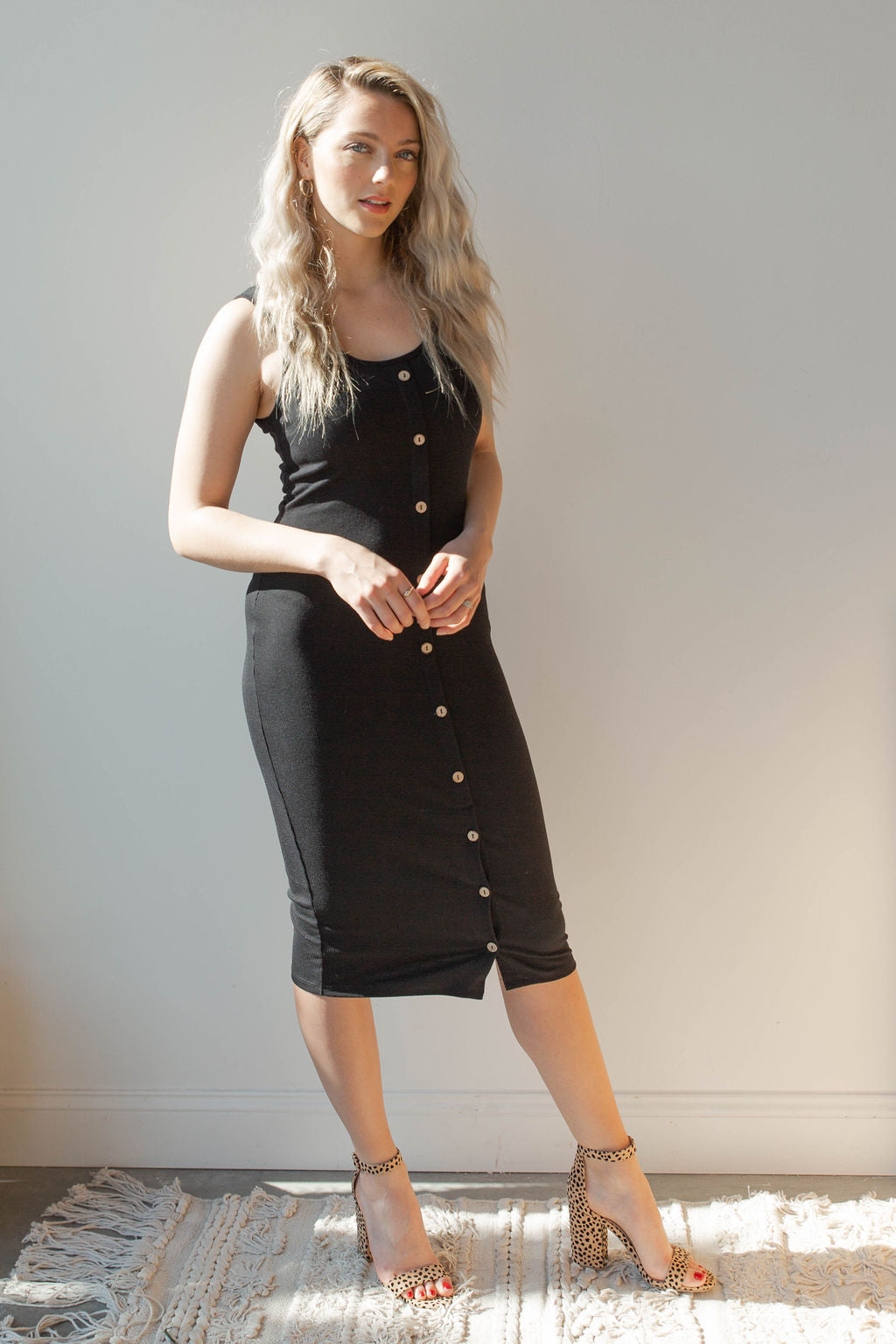 mode, ribbed fitted midi dress