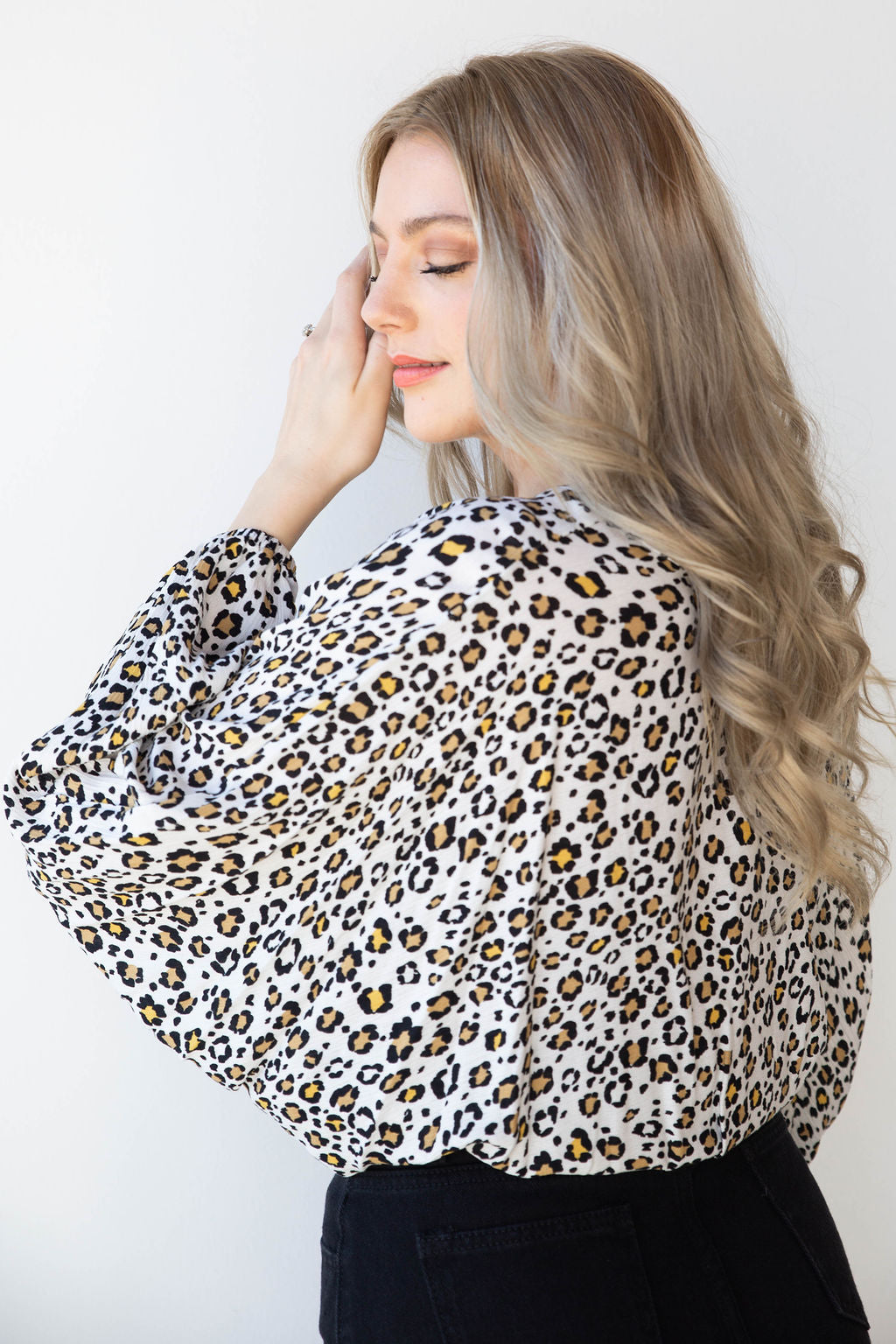 mode, white leopard cross front top