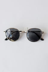 mode, yes I will sunnies
