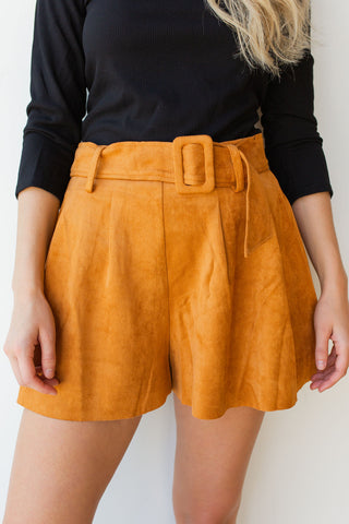 mode, perfectly belted culottes