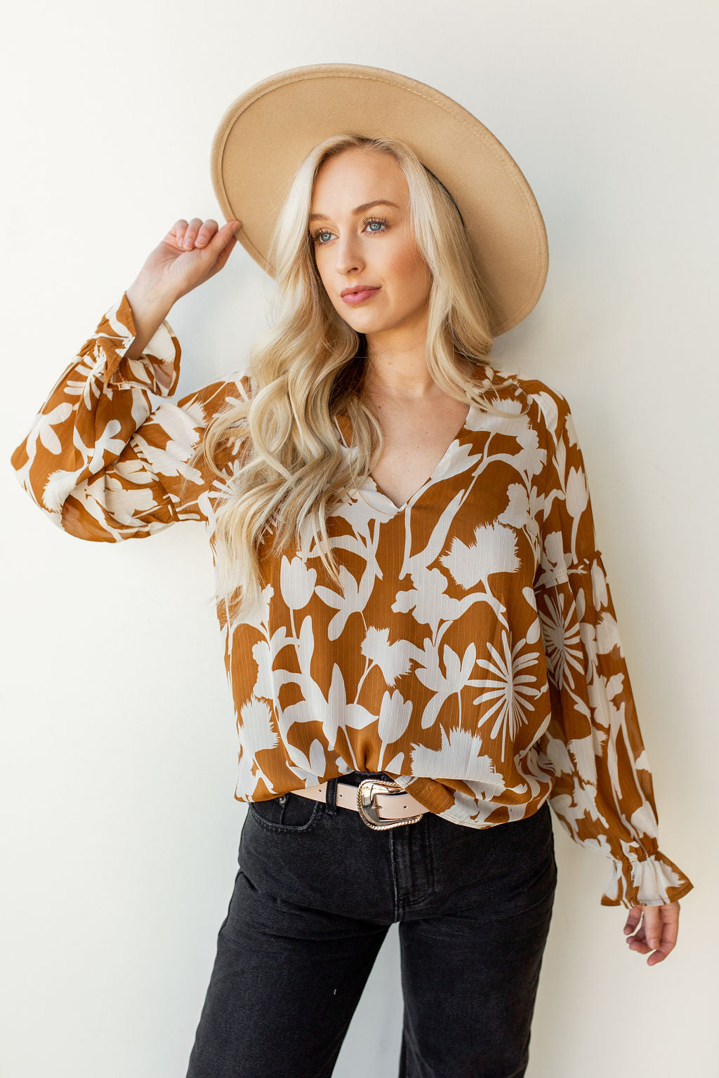 mode, puff sleeve floral blouse