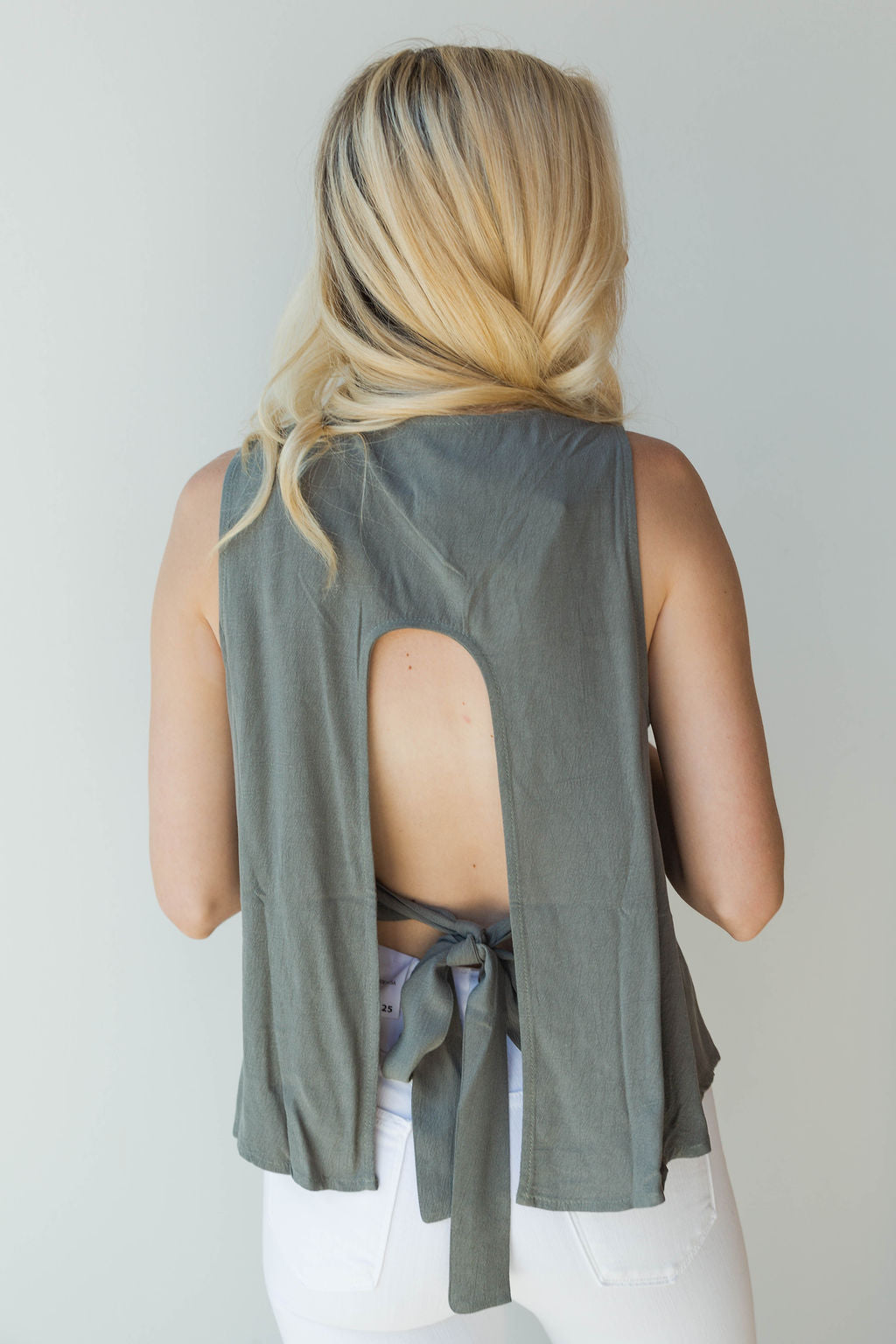 mode, open back sleeveless swing top