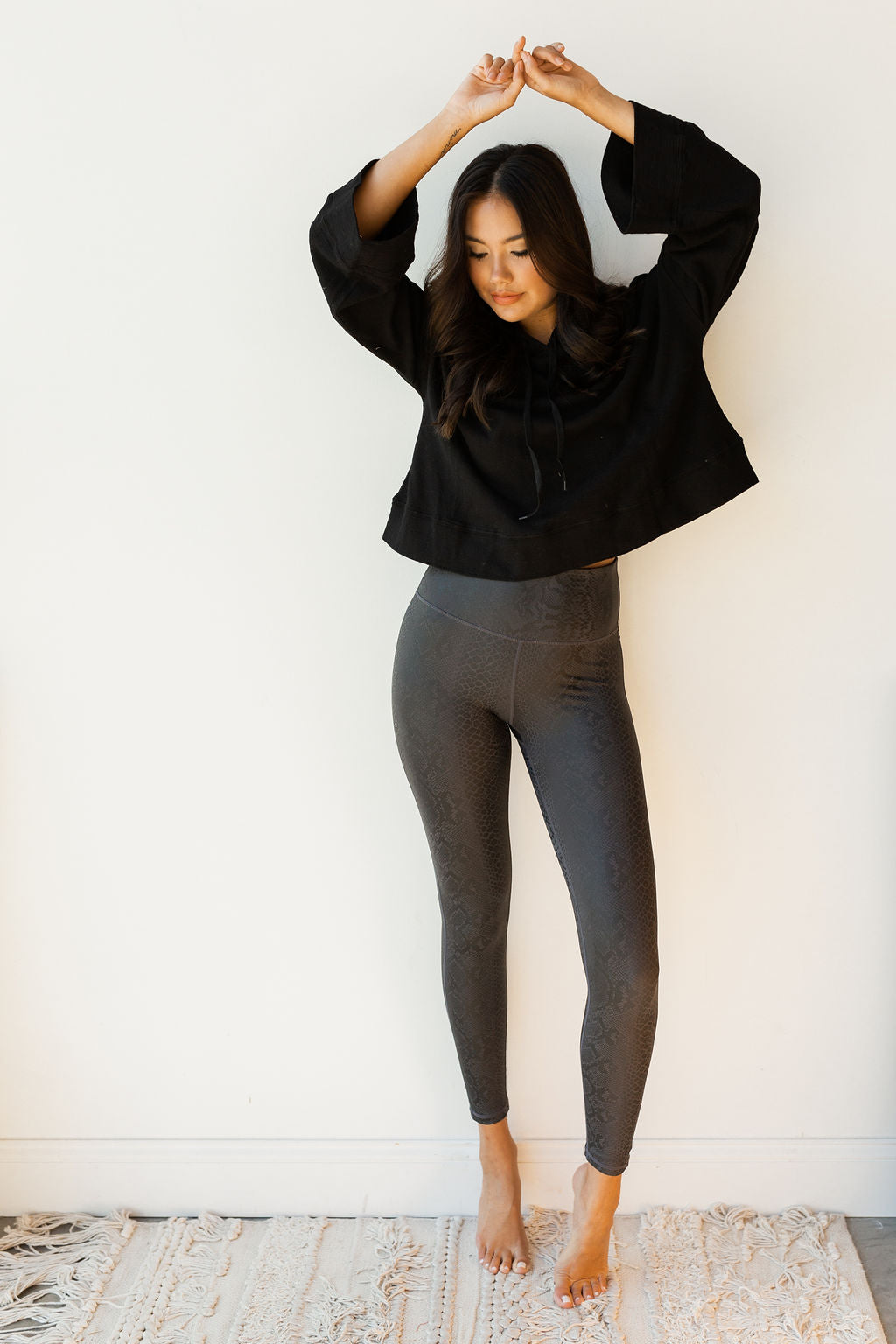 mode, black mamba snake highwaist leggings