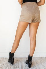 mode, need somebody skort
