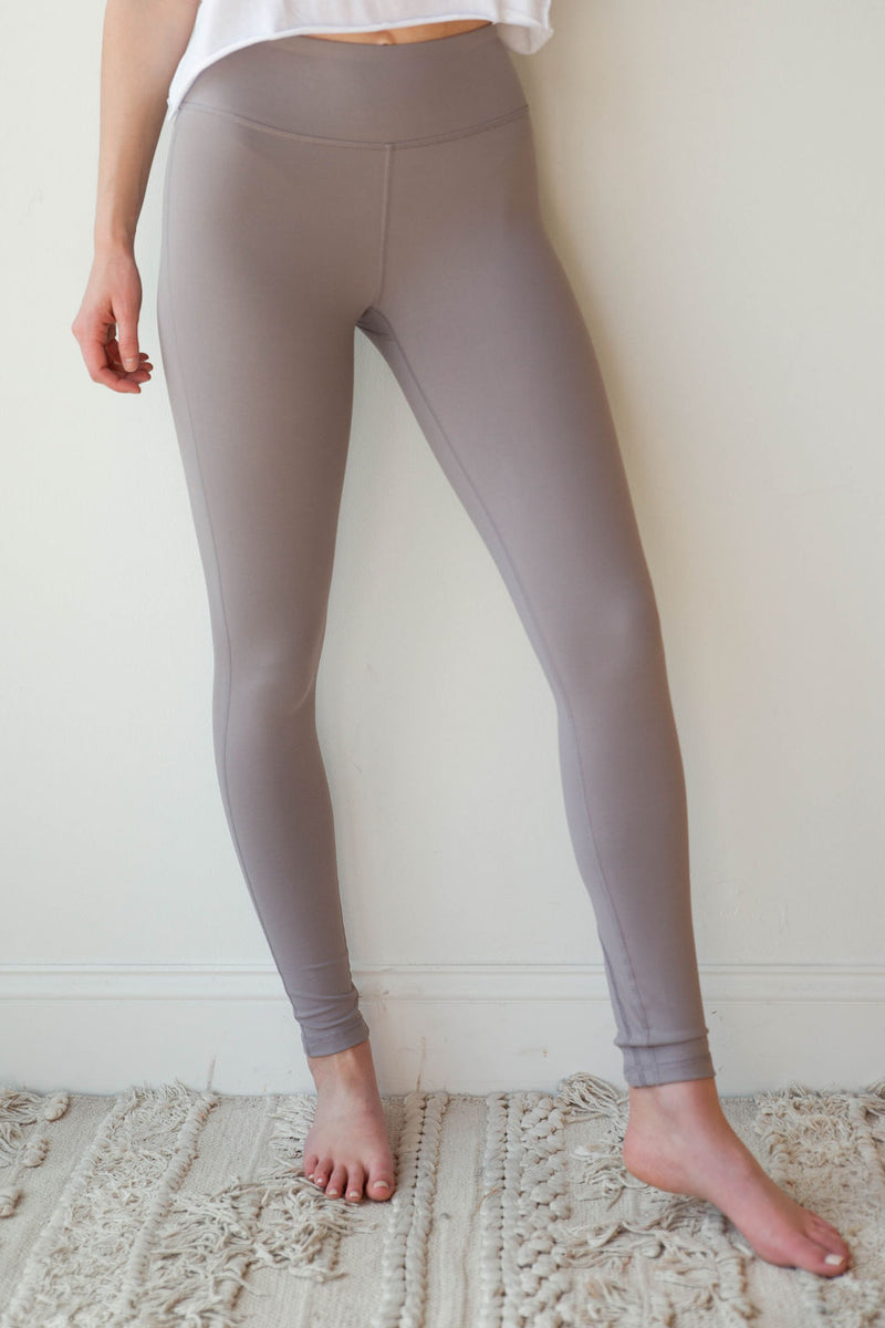 mode, criss cross ankle cut outs leggings