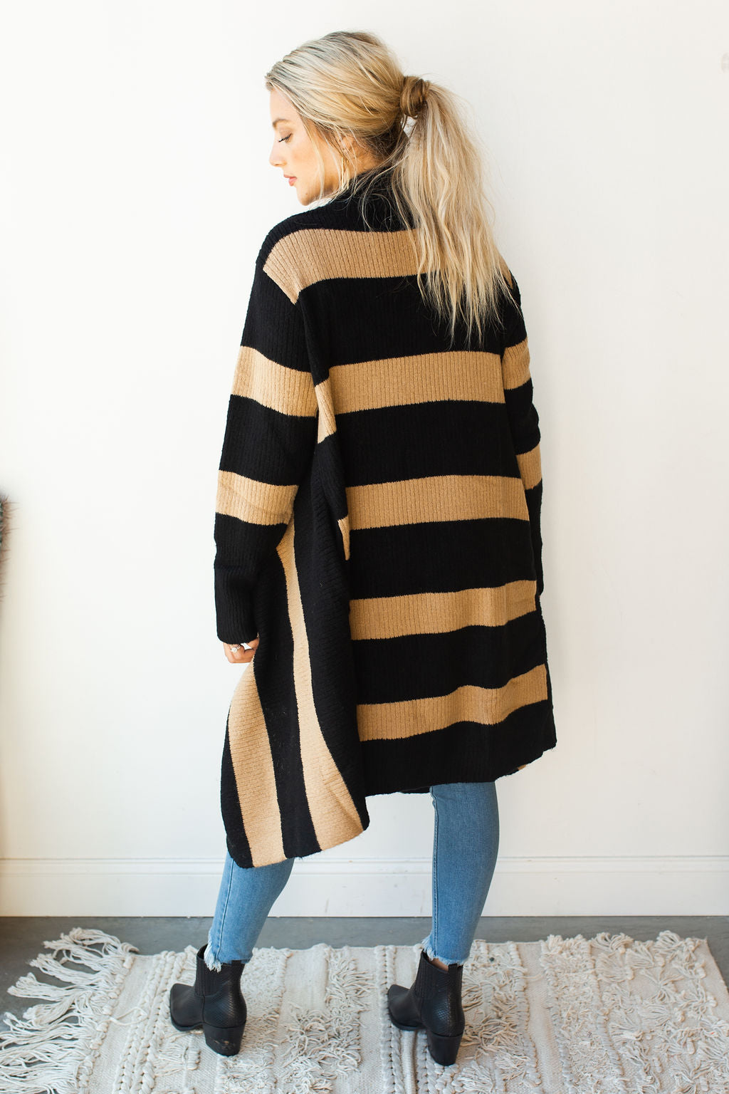 mode, chunky striped long cardi