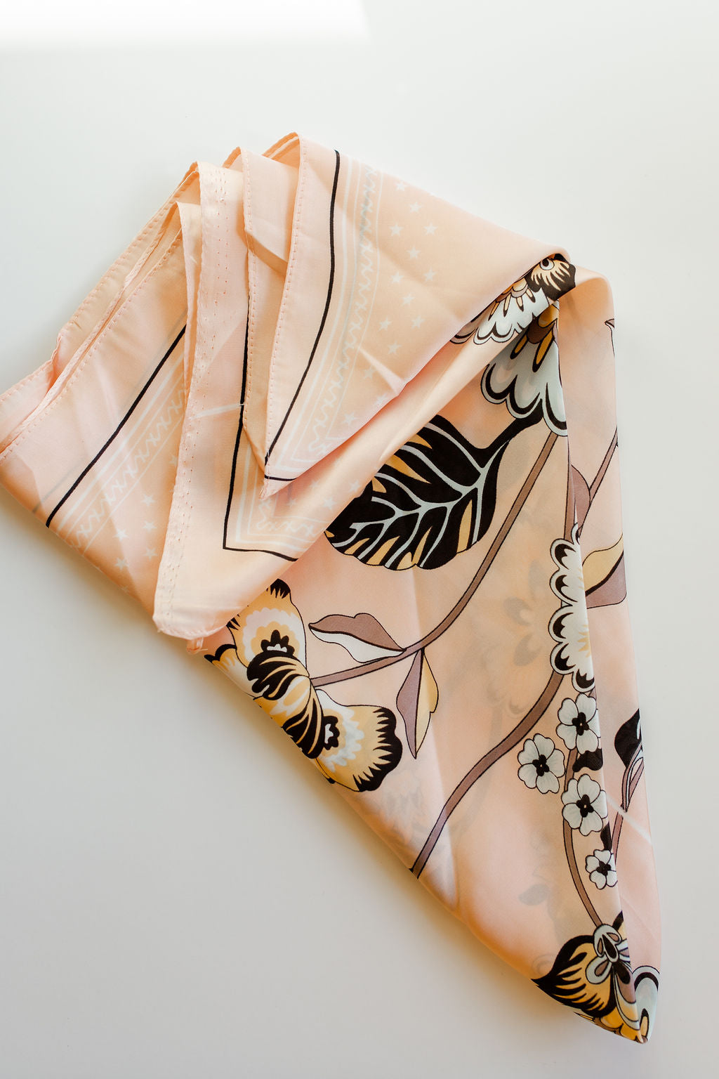 mode, pink florals scarf