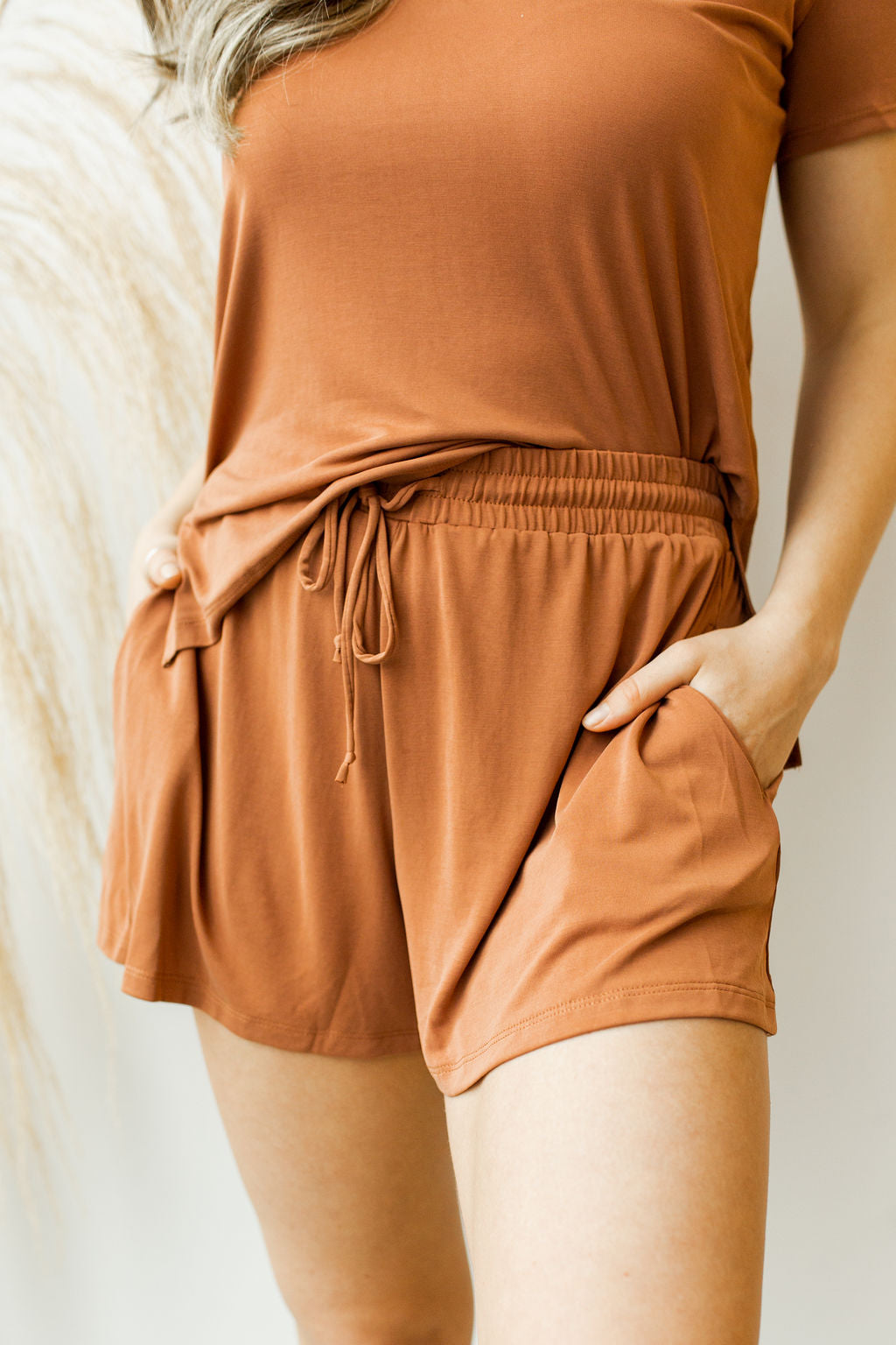 mode, Arie poly shorts