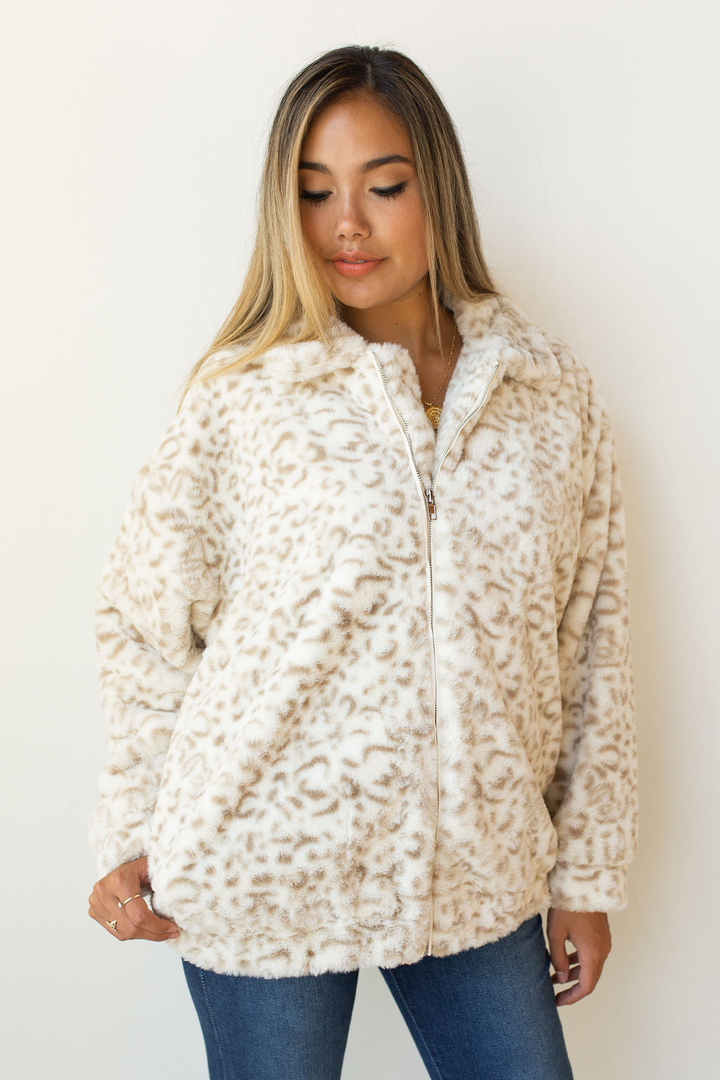 mode, snow leopard jacket