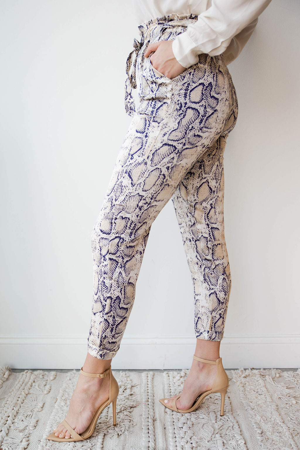 mode, snakeskin high waist trousers