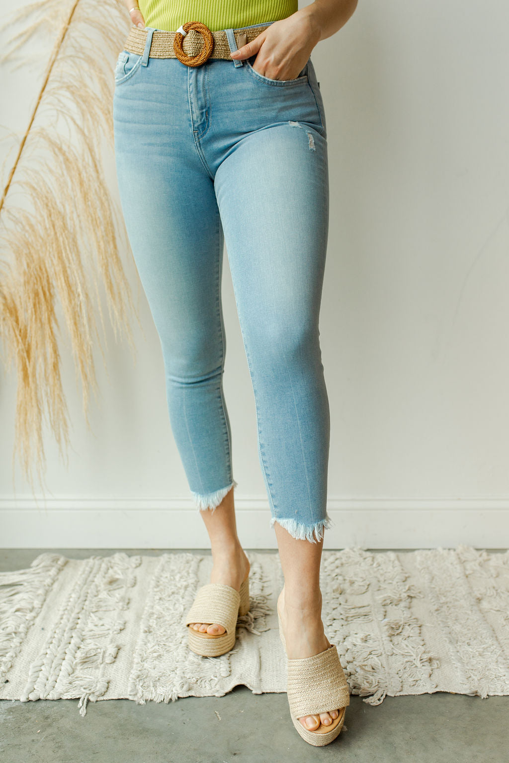 mode, high rise raw hem crop skinny