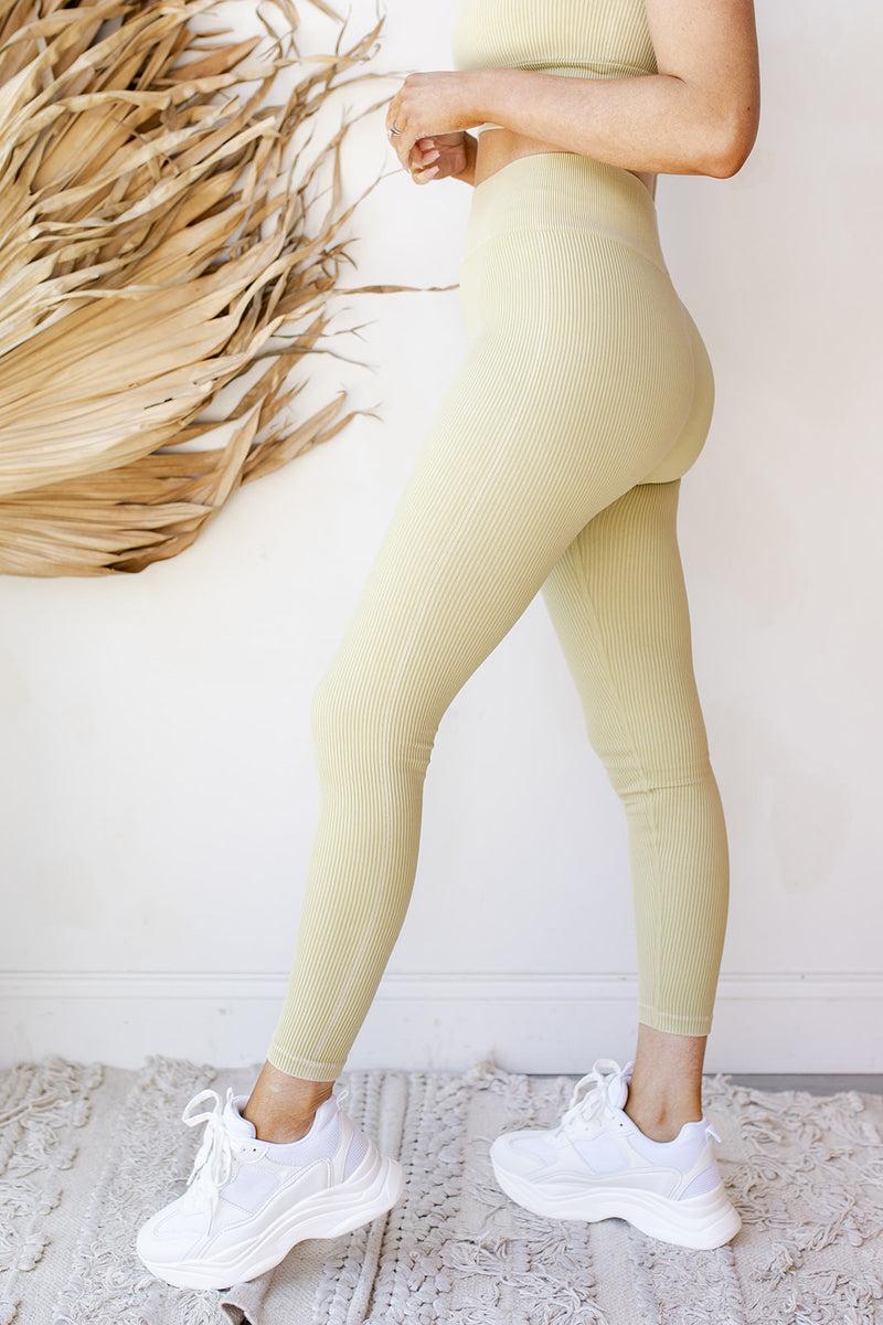 ribbed seamless highwaist leggings