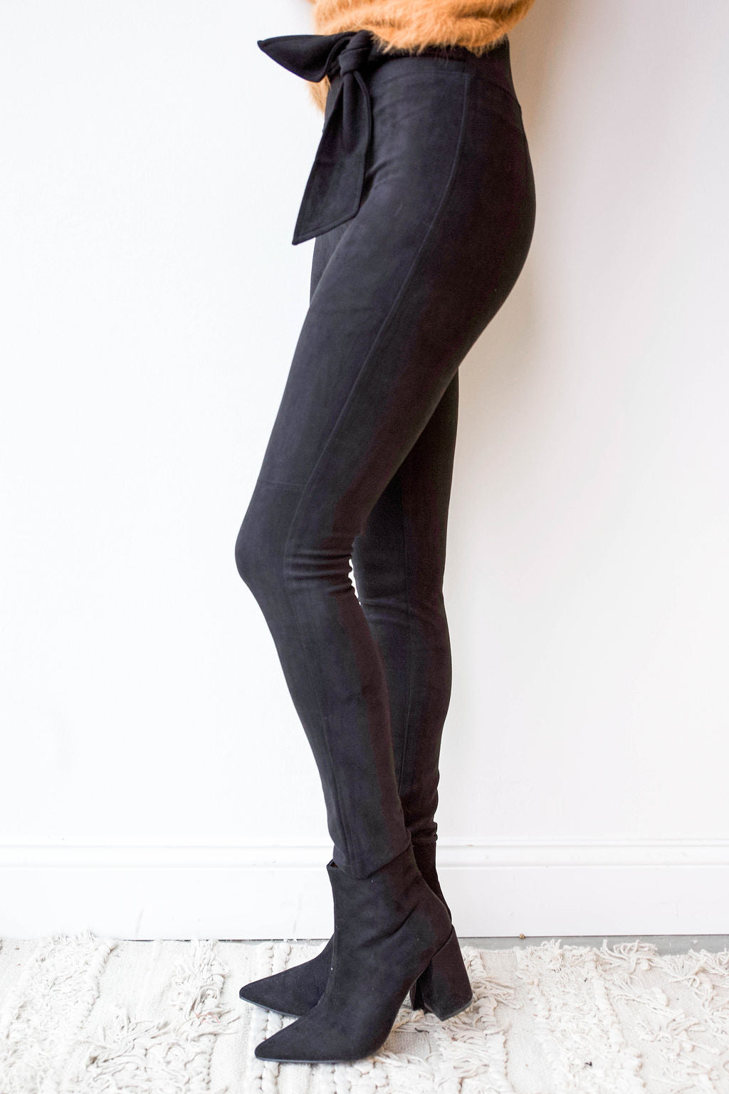 mode, faux suede skinny pants