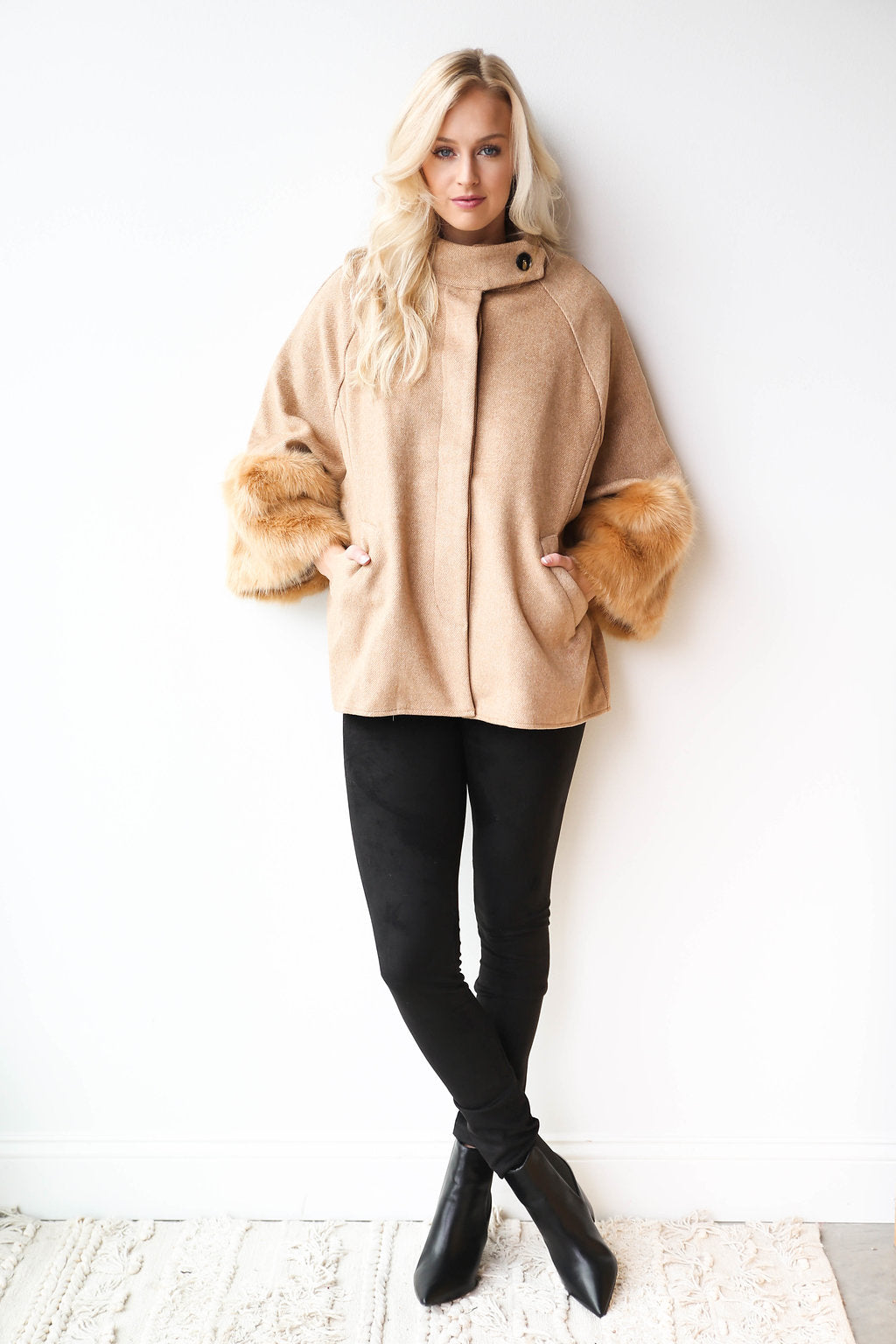Anastasia wool cape fur sleeve