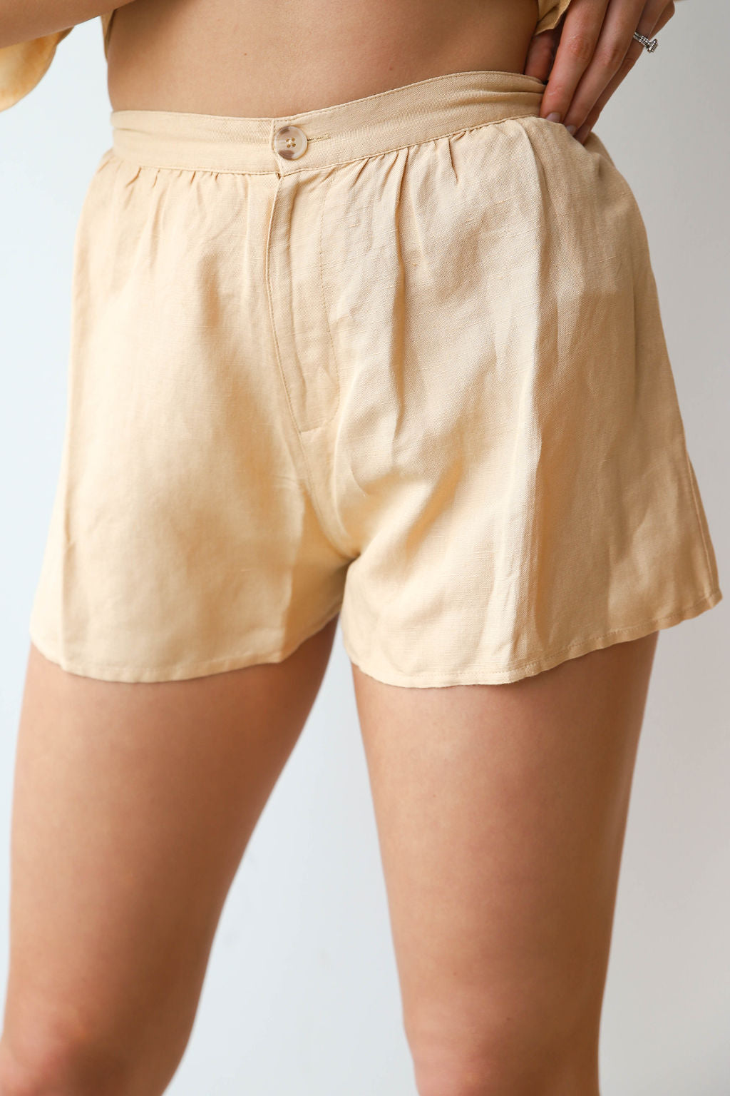 mode, canopy high waisted woven short
