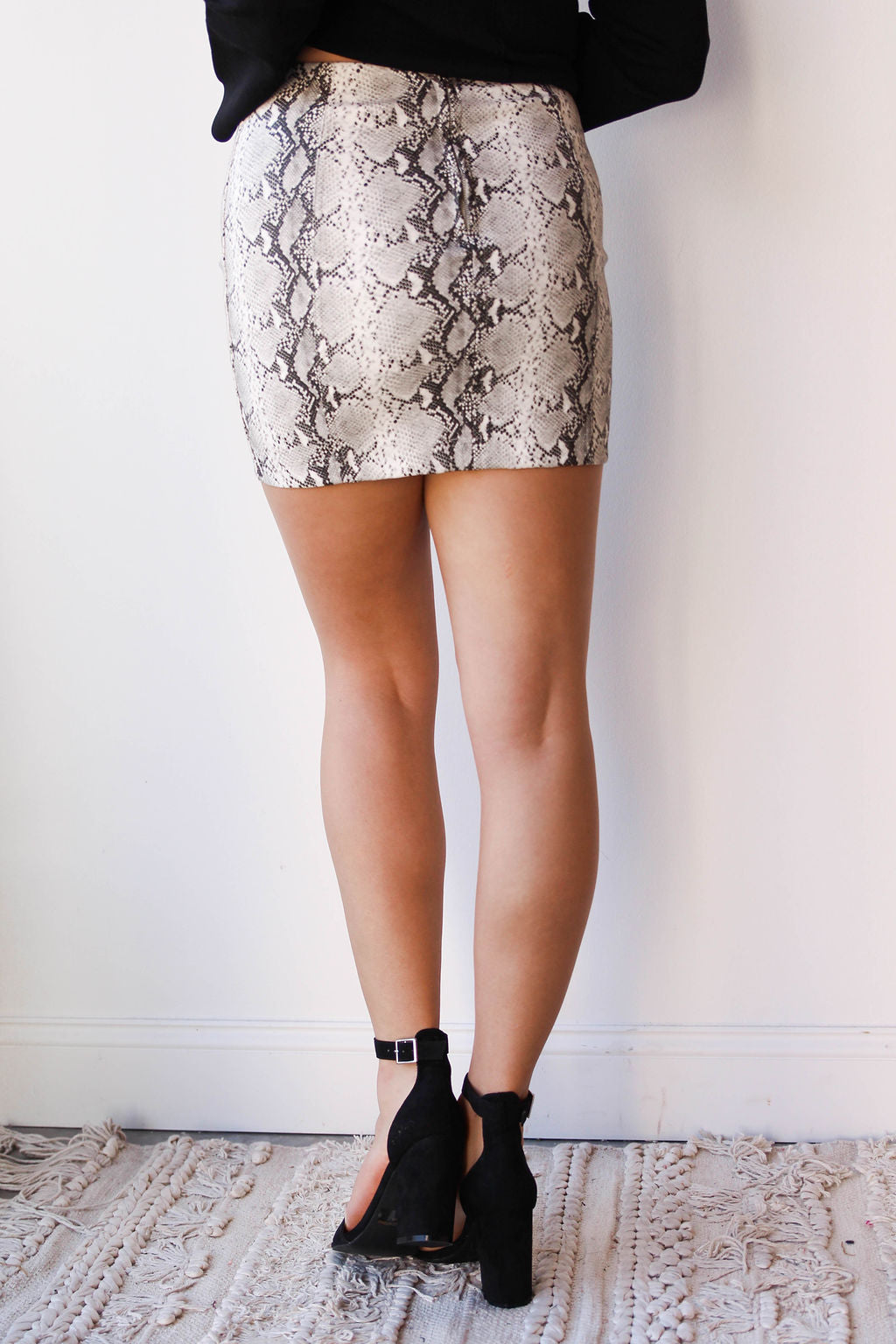 mode, Addie snake skin skirt