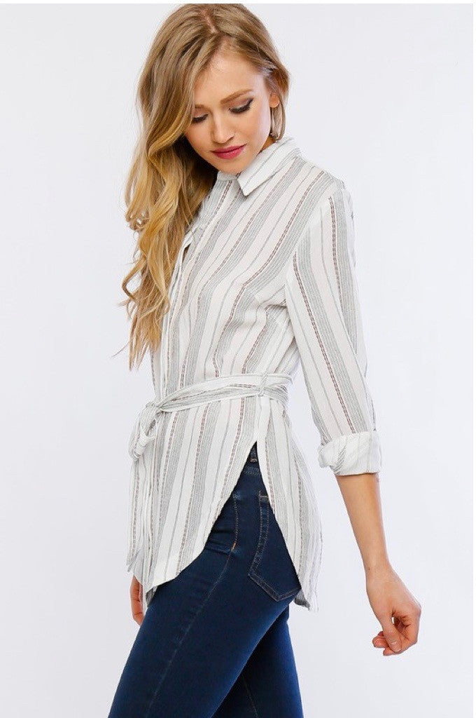 mode, belted red stripe blouse