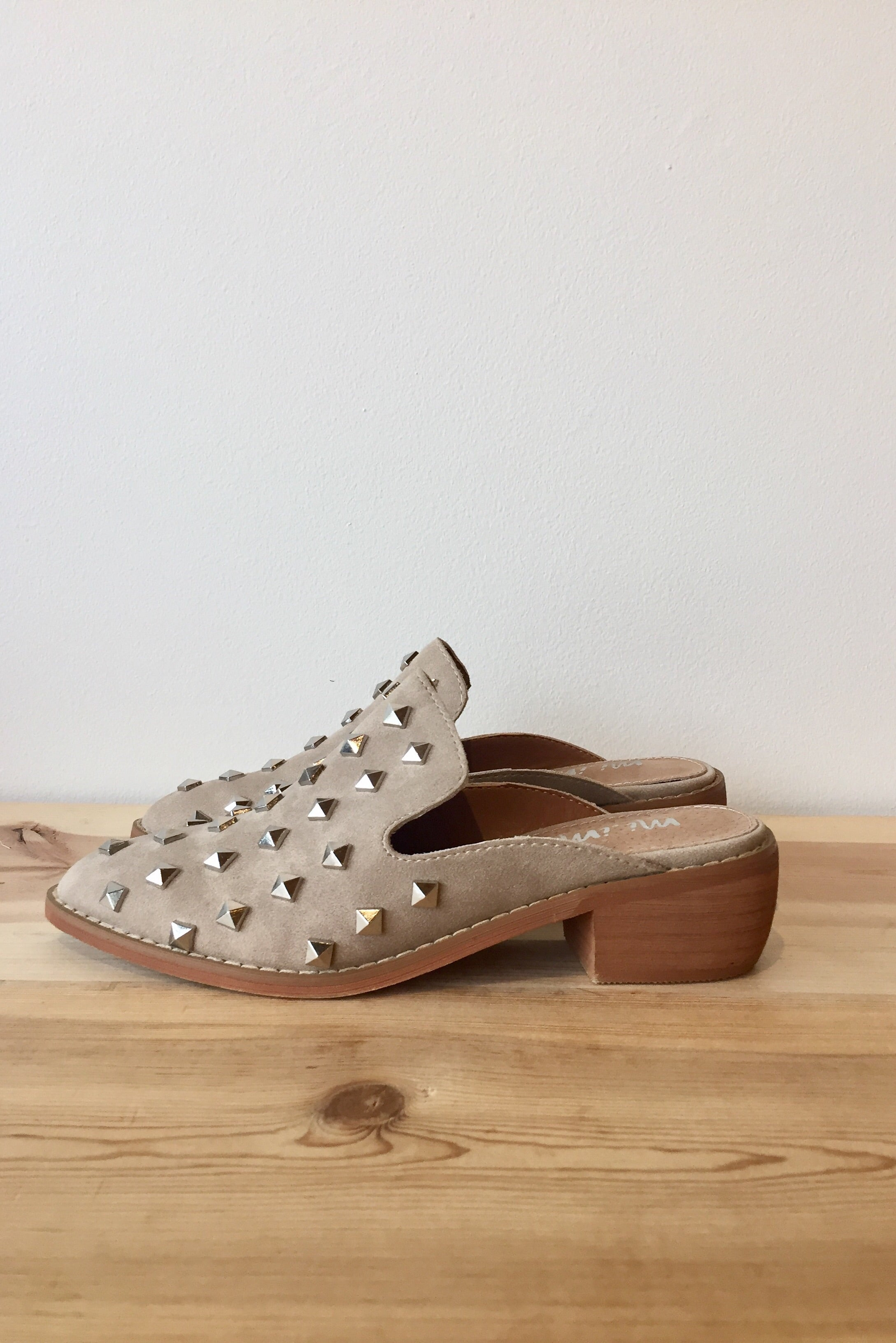 mode, Stuart studded slide