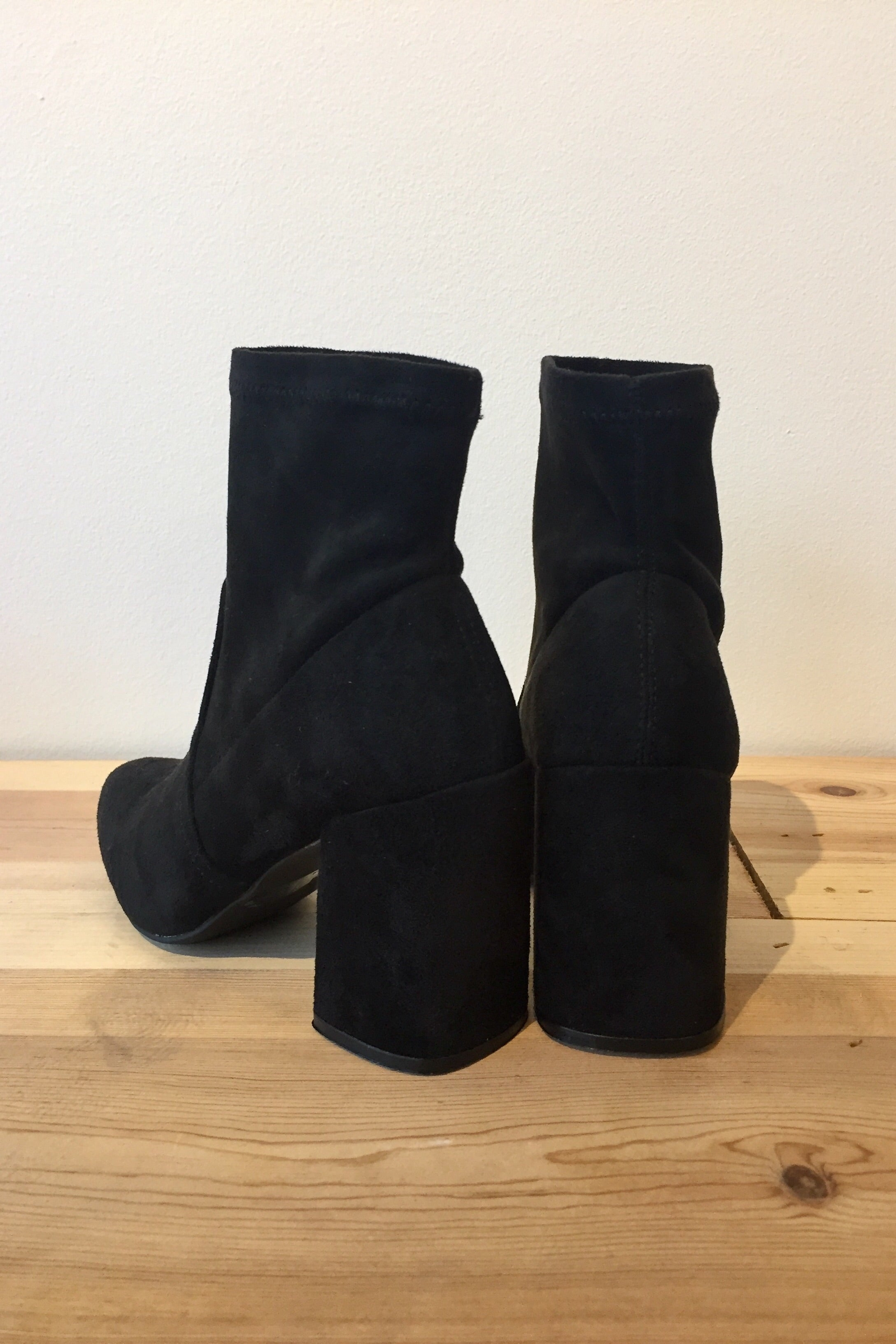Kelly high ankle bootie