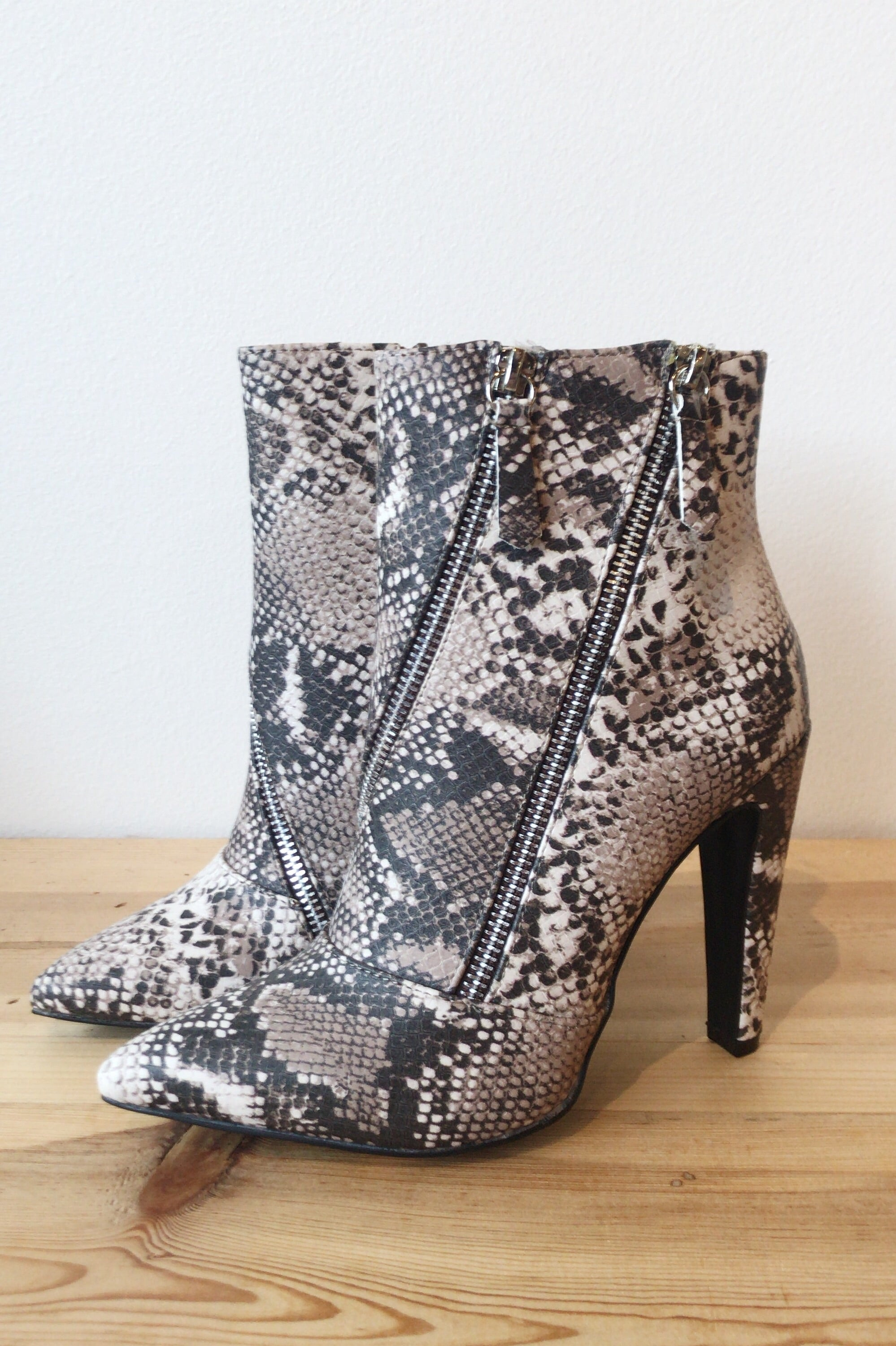 mode, fearless bootie