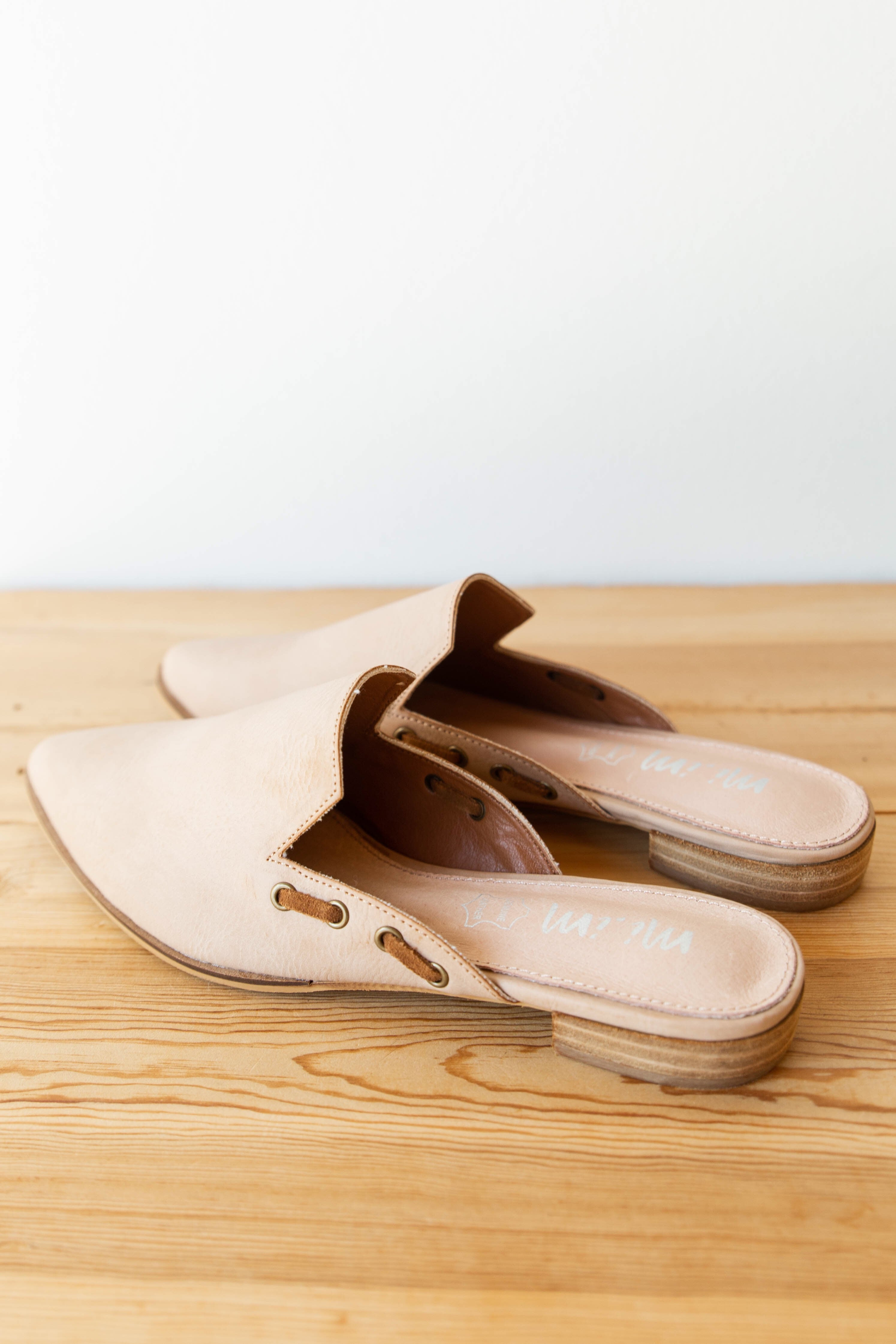 mode, Taylor leather mules