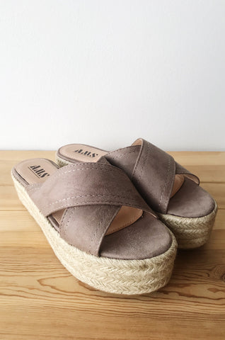 mode, pure delight slip on flatform