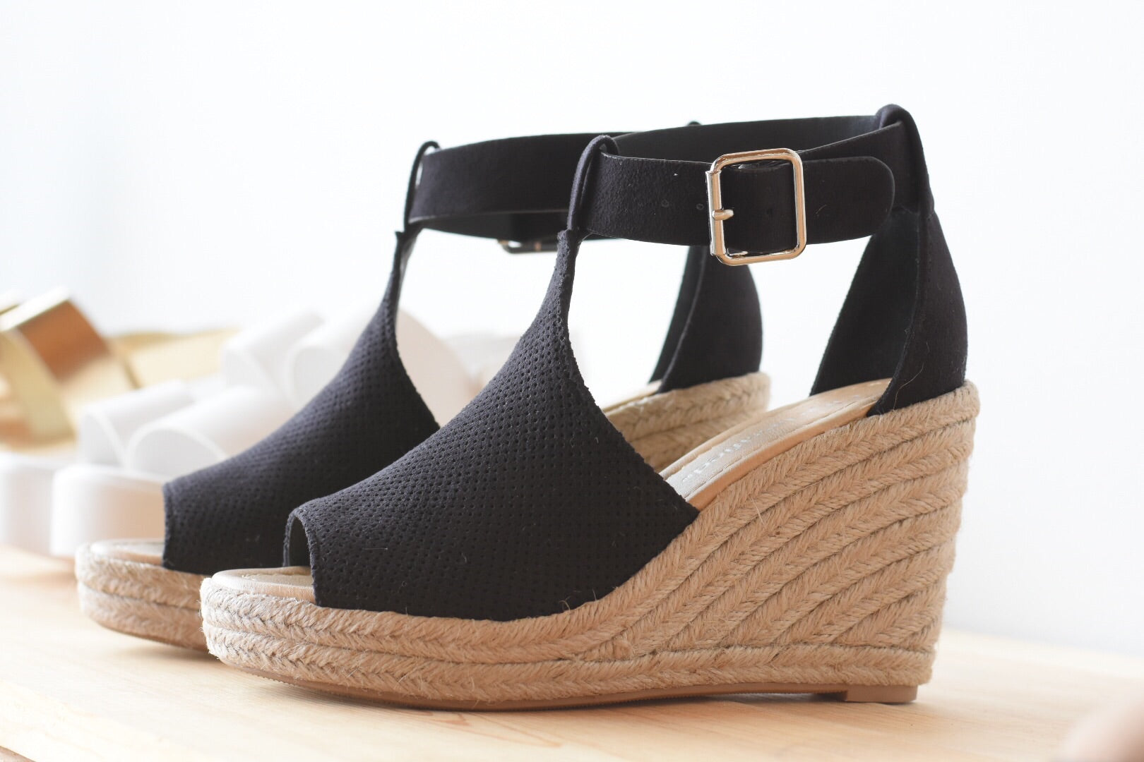 mode, top knotch wedge