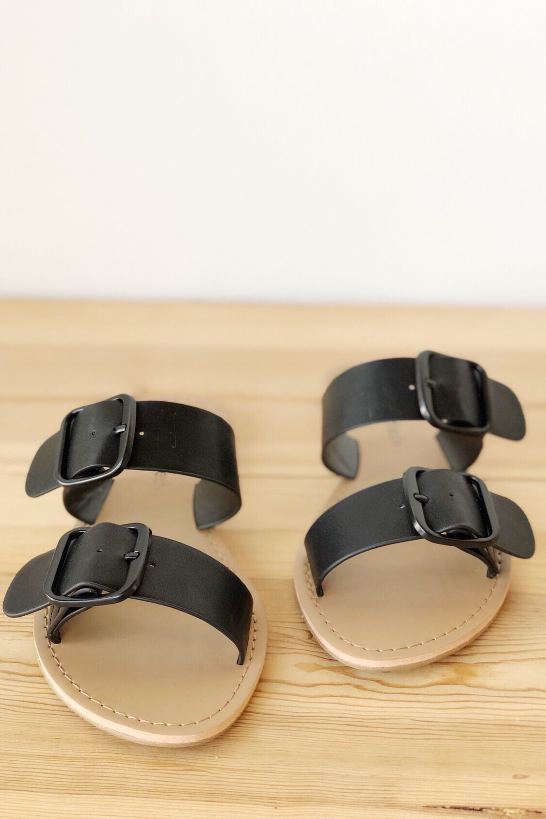 mode, compromise double buckle sandal