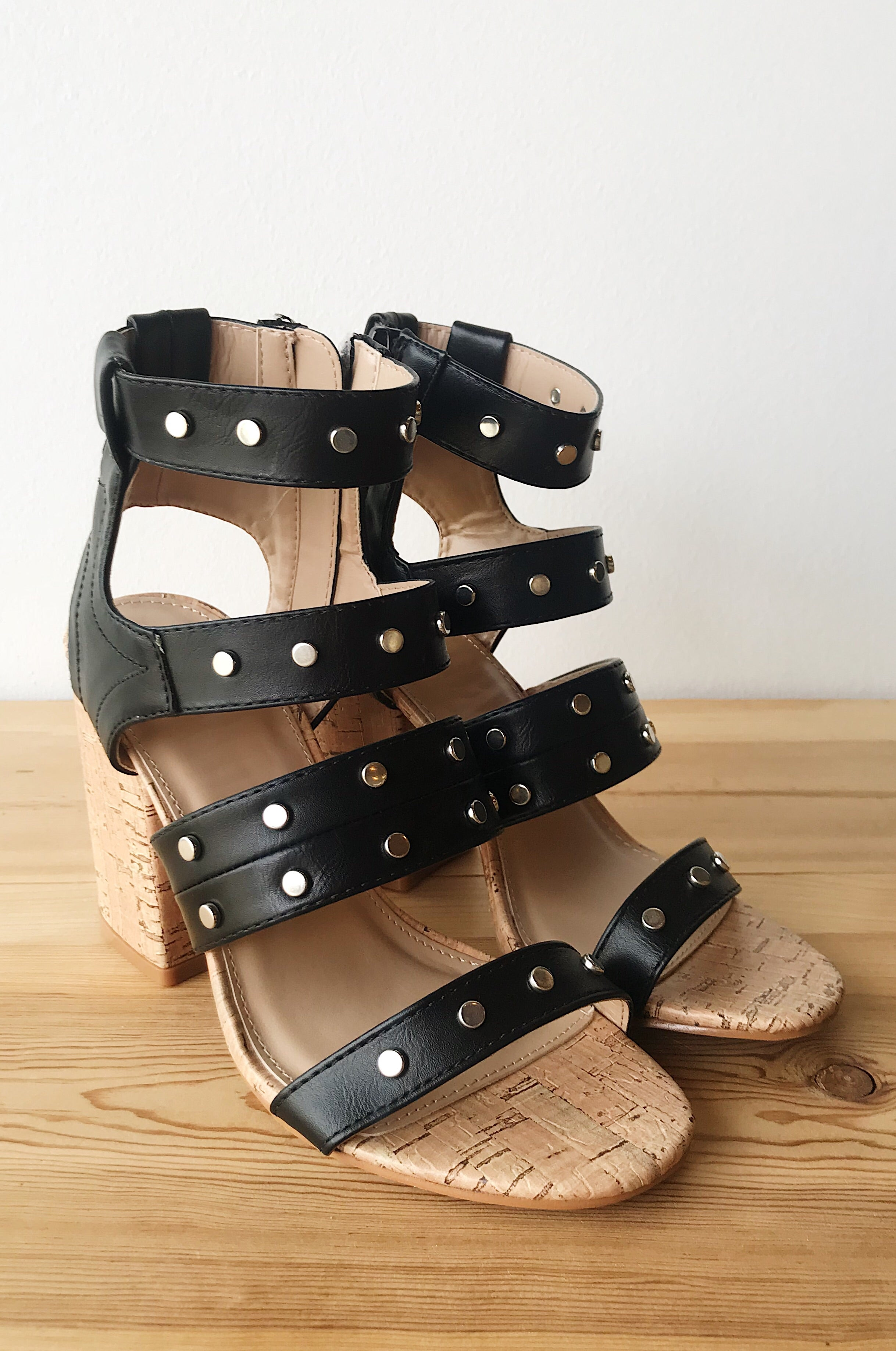 mode, bring it in strappy heel