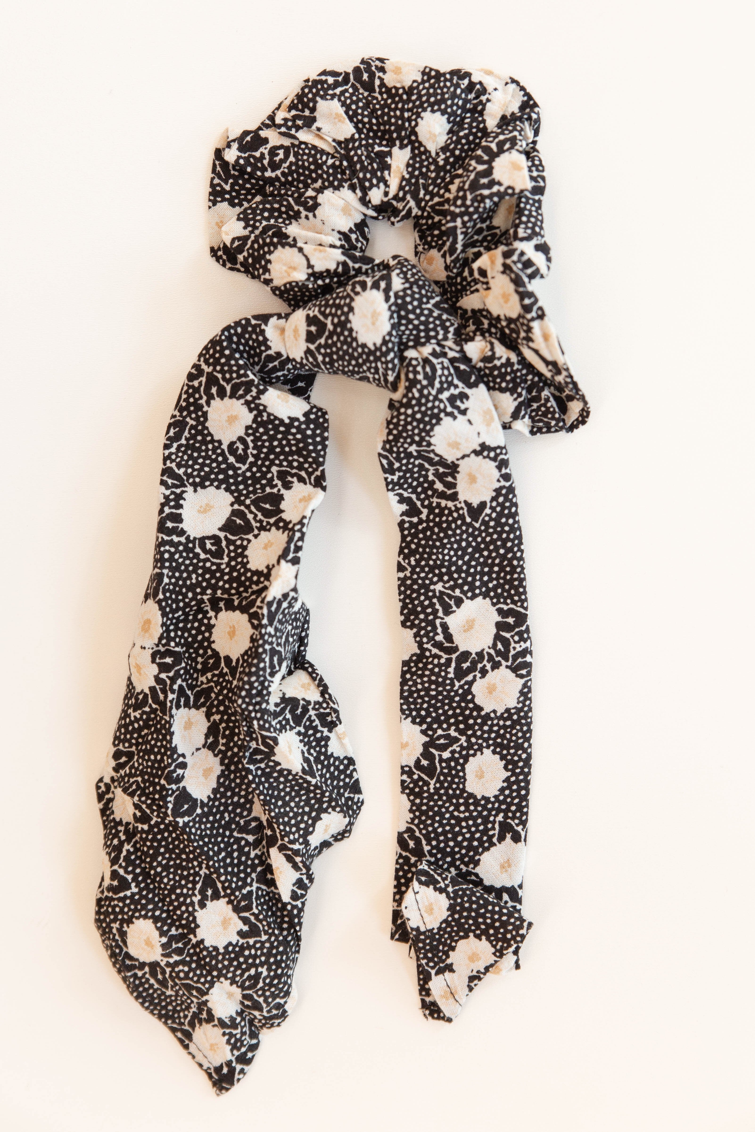 mode, up and back scrunchie wvn scarf