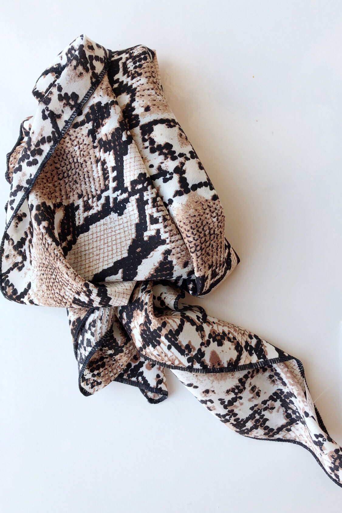 mode, hannah square scarf
