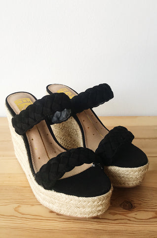mode, cord of 3 strands slip on wedge