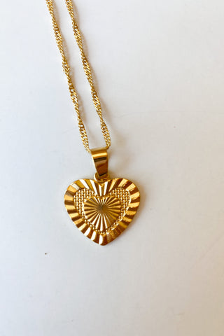 mode, sacred heart necklace