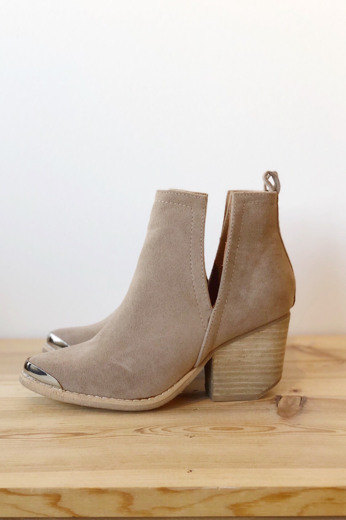 click side cut bootie