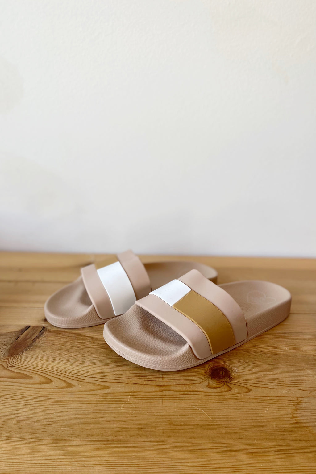 the jazmin casual slide