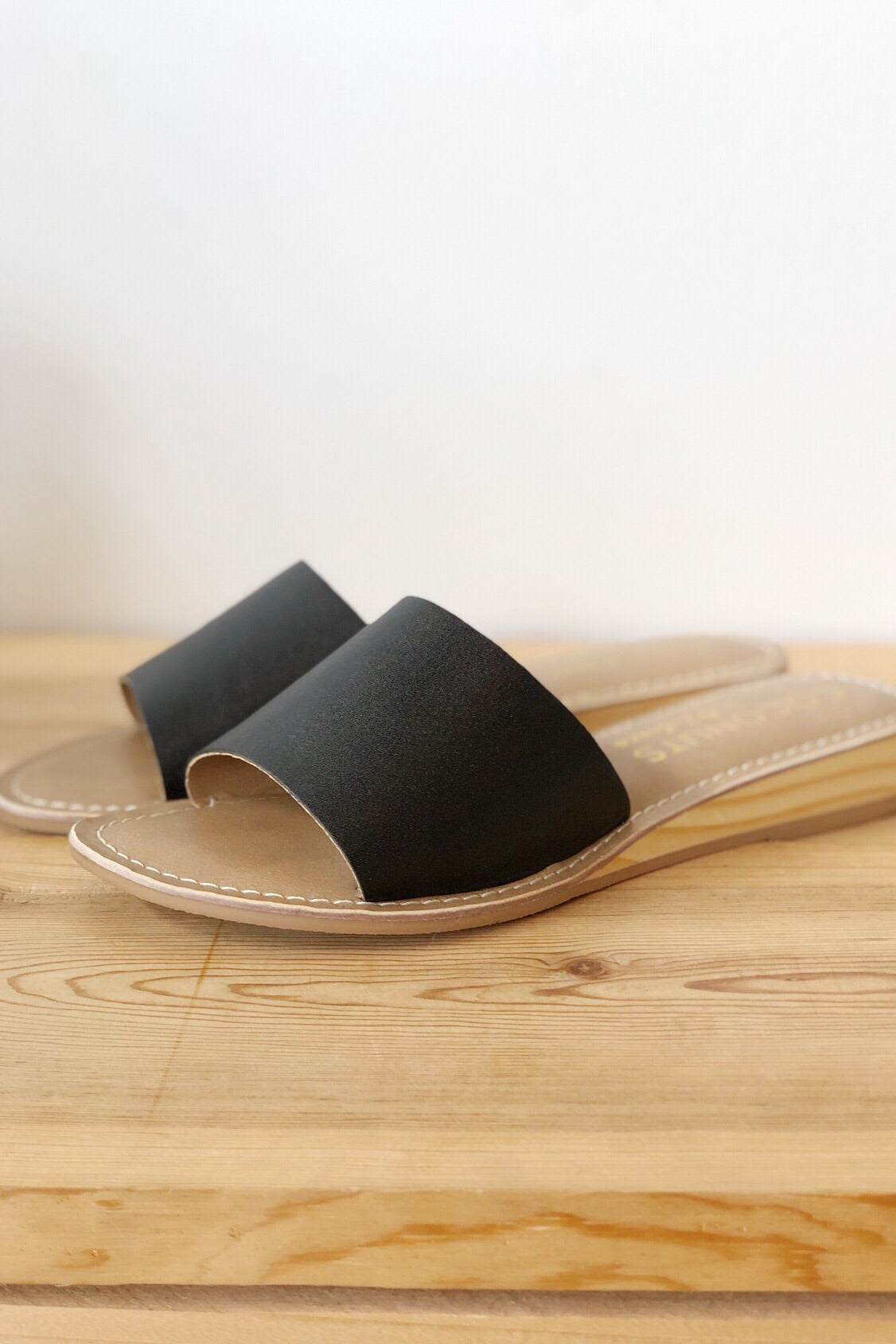 mode, slide up next to me sandal