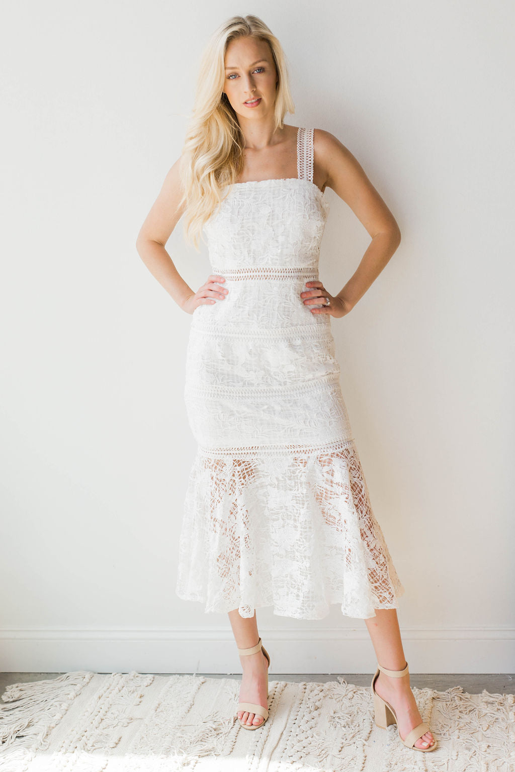 mode, mermaid lace dress