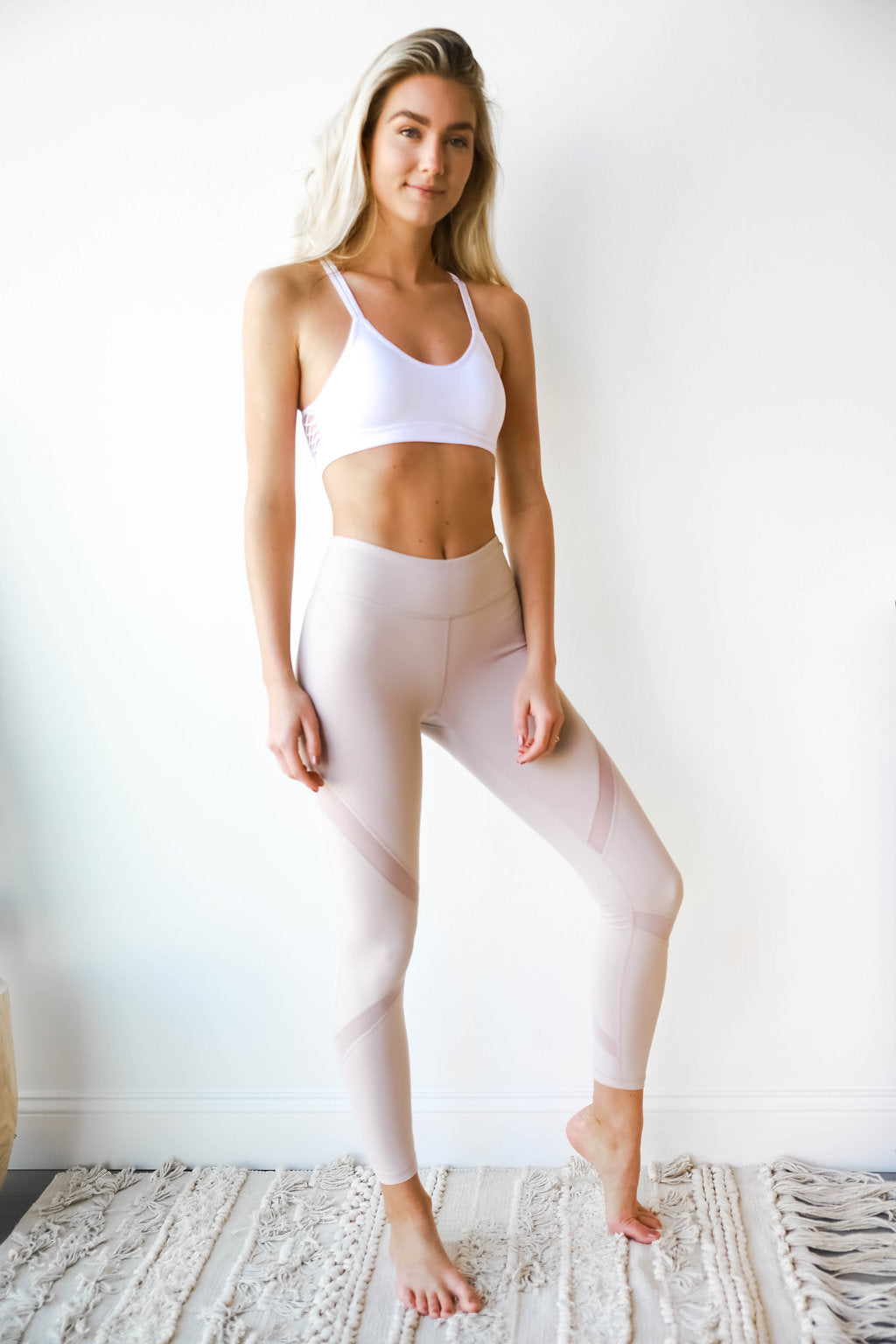 mode, a bit meshy yoga pant