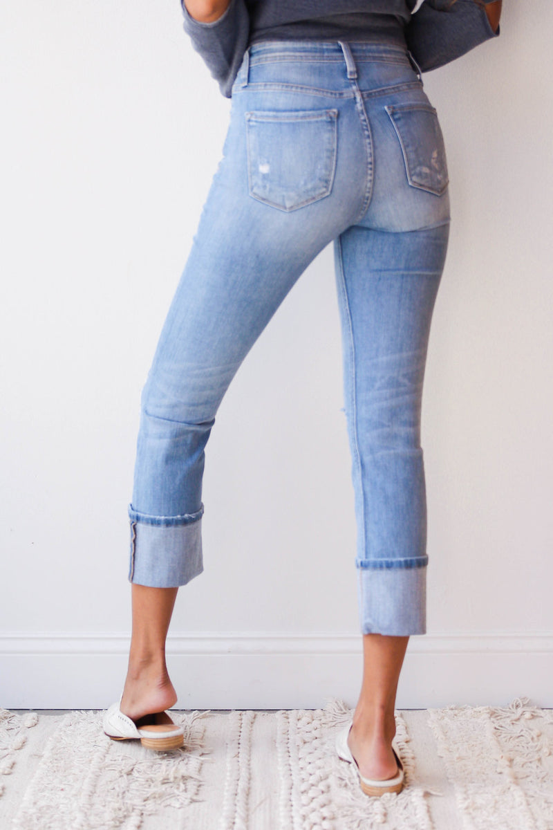 mode, All that distressed + cuffed denim