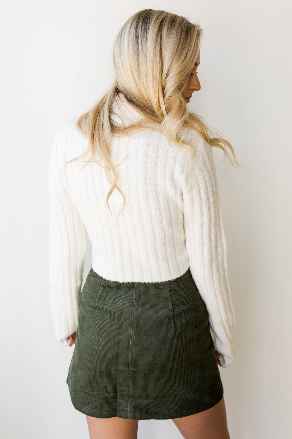 mode, fuzzy fitted crop sweater