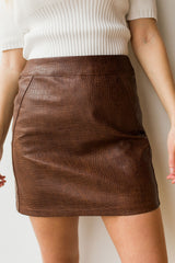 mode, Still in love textured skirt