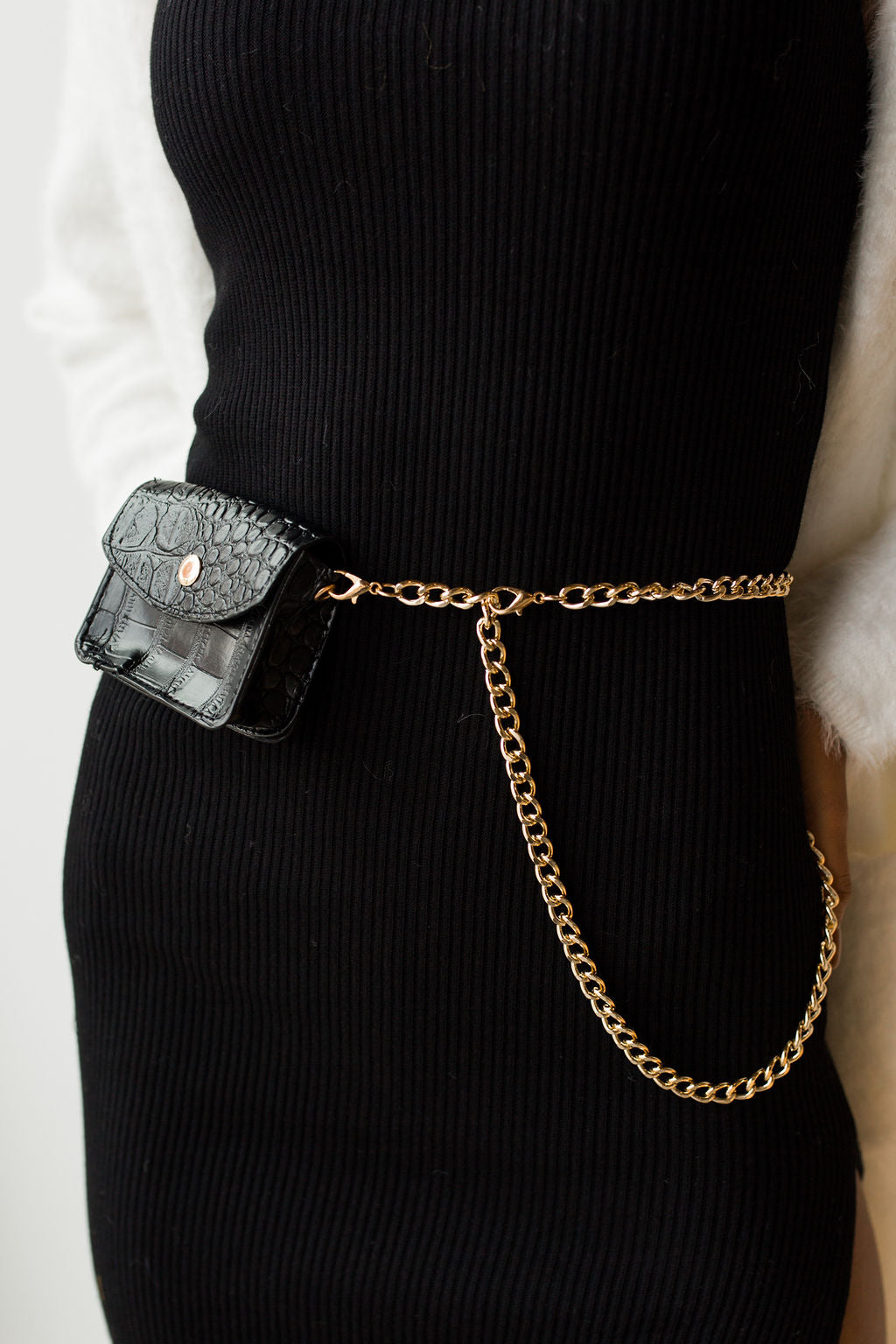 mode, tiny pouch chain belt