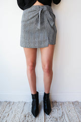 herring knot front skirt