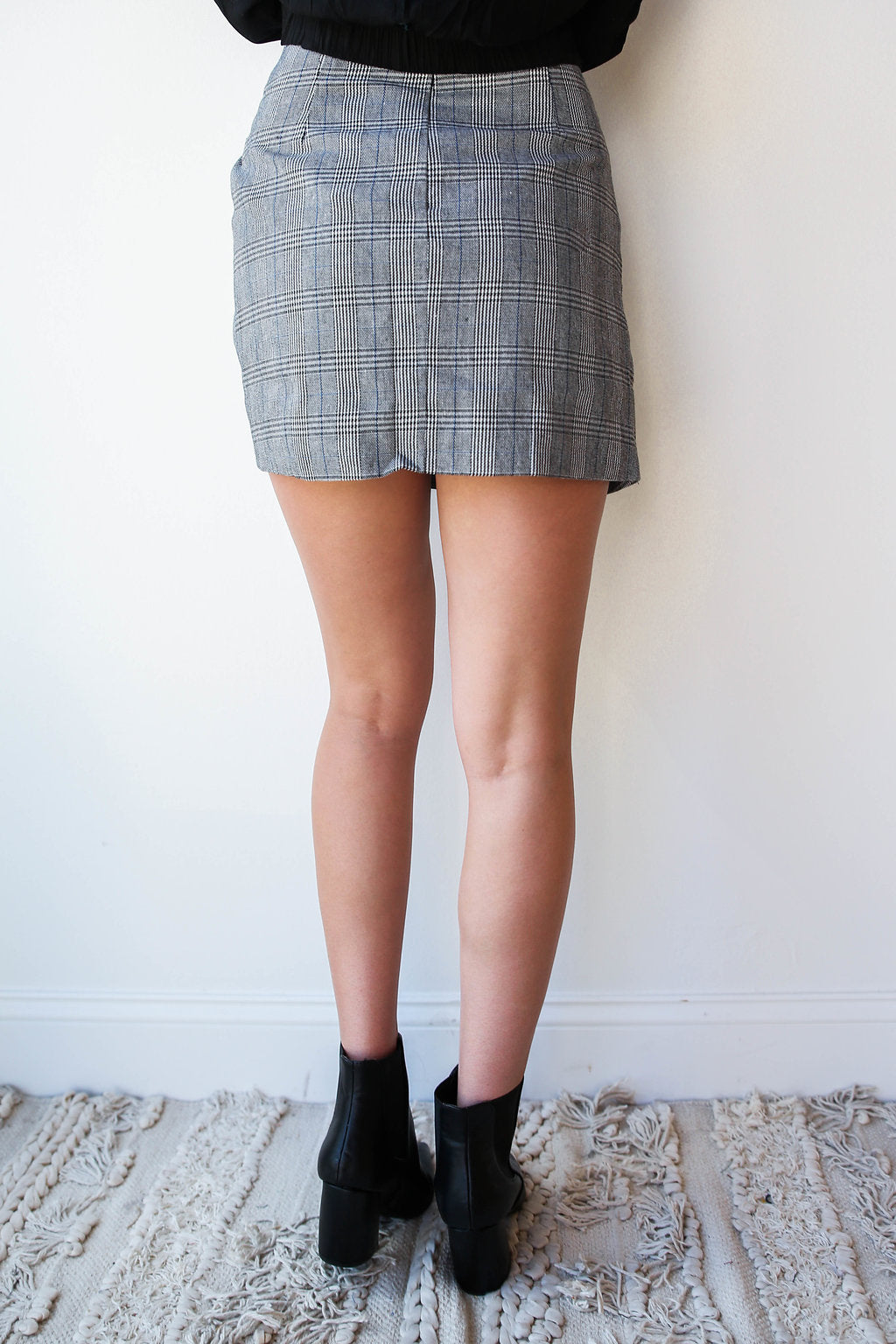 mode, herring knot front skirt