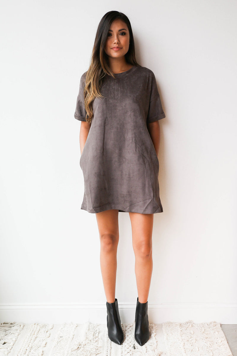 mode, meant to be suede dress