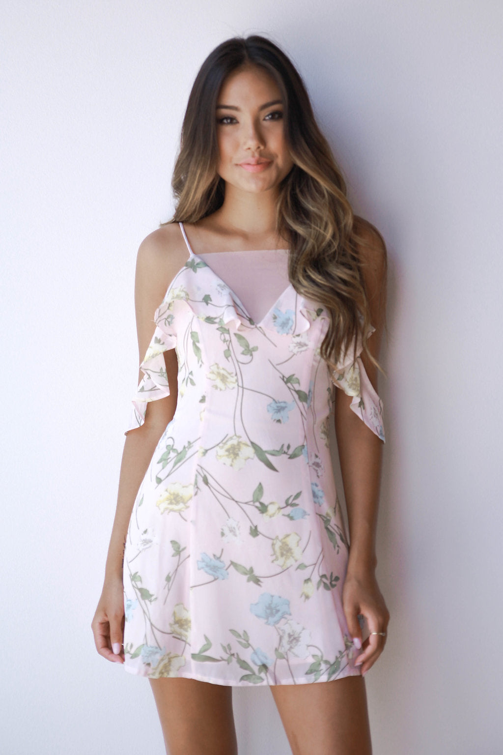 mode, shoulder flutter floral dress