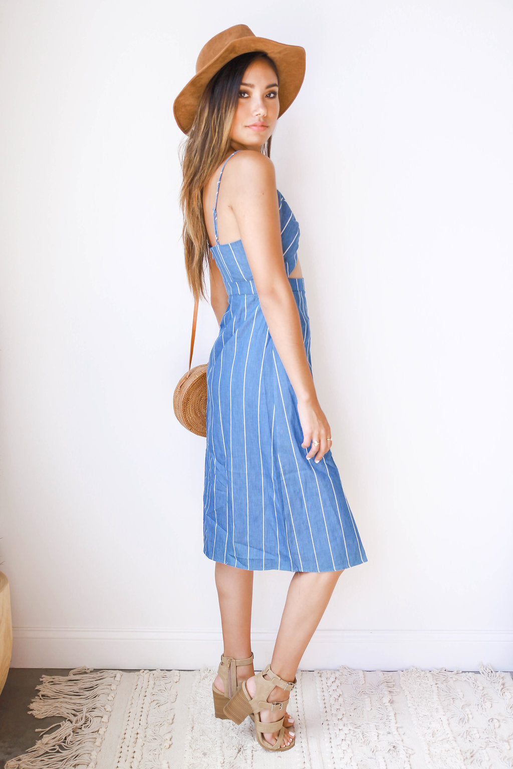 mode, simple cuts midi dress