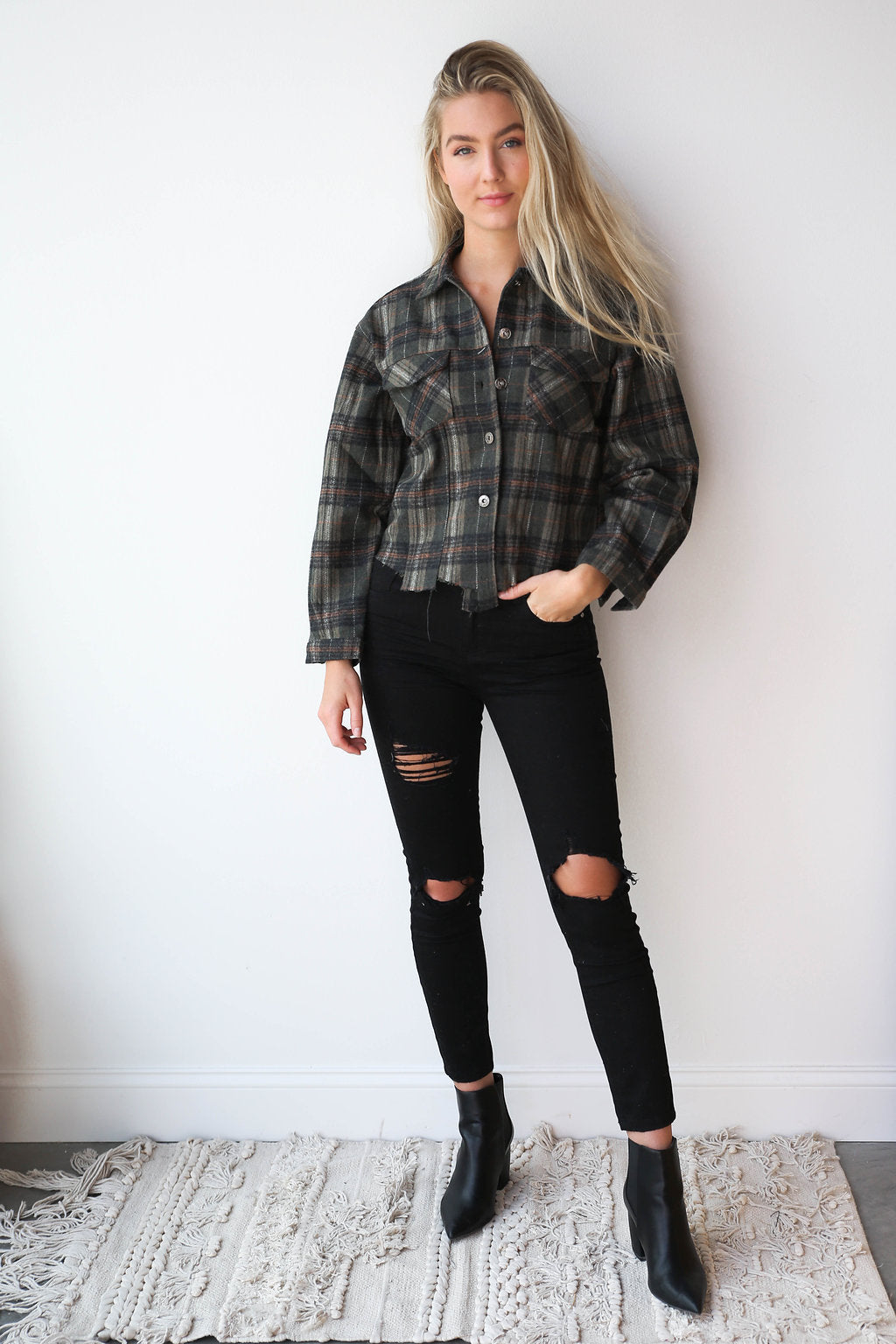 mode, distressed trucker jacket