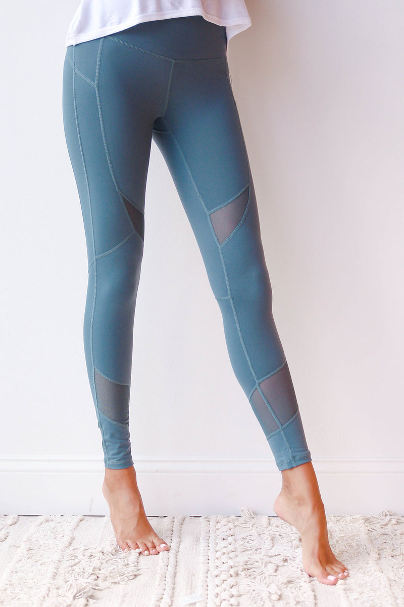 mode, criss cross mesh leggings