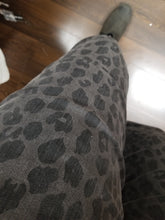 Load image into Gallery viewer, Tribal Audrey Pull-On Ankle Jegging in Leopard/Black